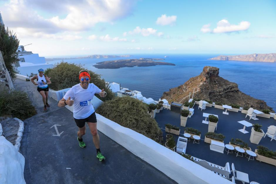 Running @ Santorini Experience (photo by Babis Giritziotis)